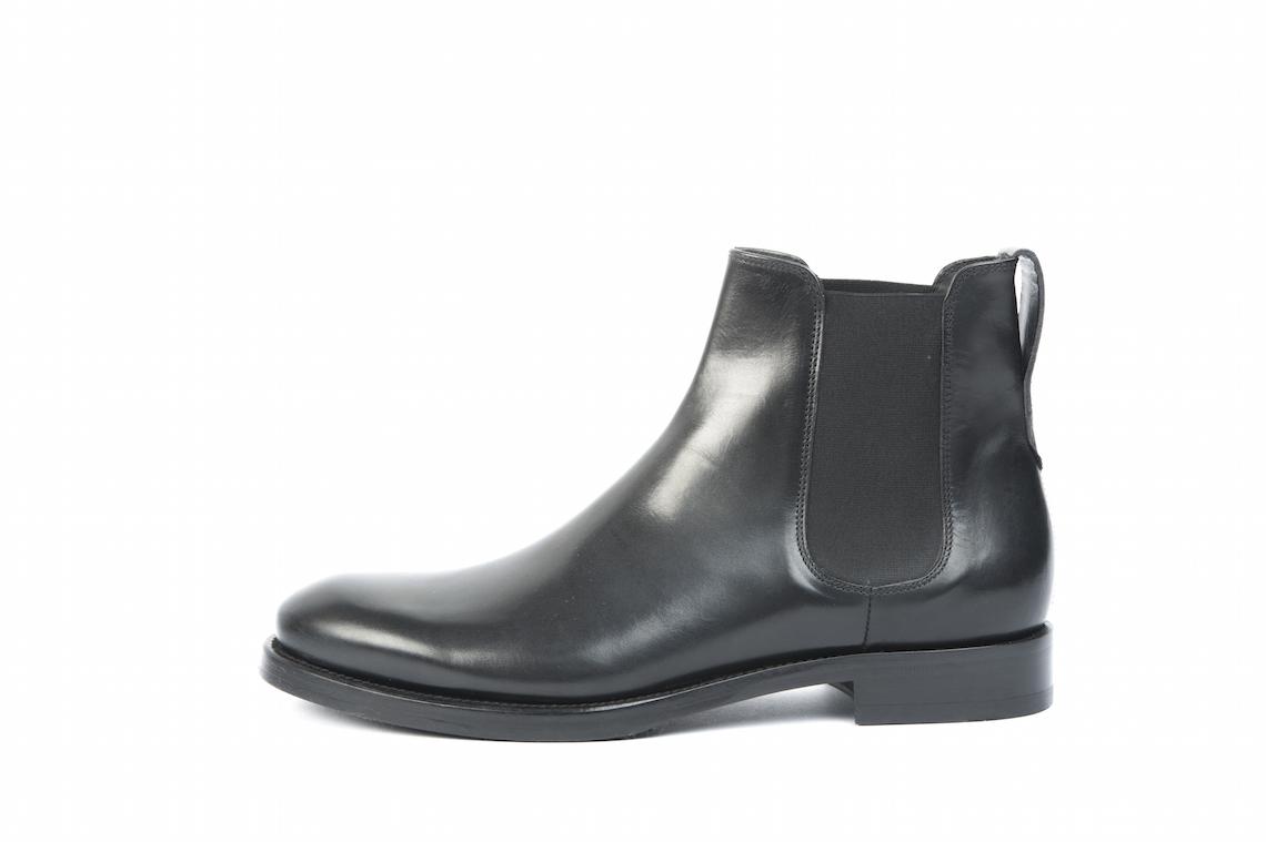 Scarpe da uomo eleganti in pelle.Modelli disponibili sul nostro online b77c31ce86b