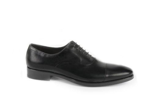 Scarpe-eleganti-in-pelle,-calzature-eleganti-per-cerimonie-importanti.