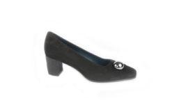 Scegli le nuove scarpe Lucacalzature, decolletè con la fibbia e tacco classico.