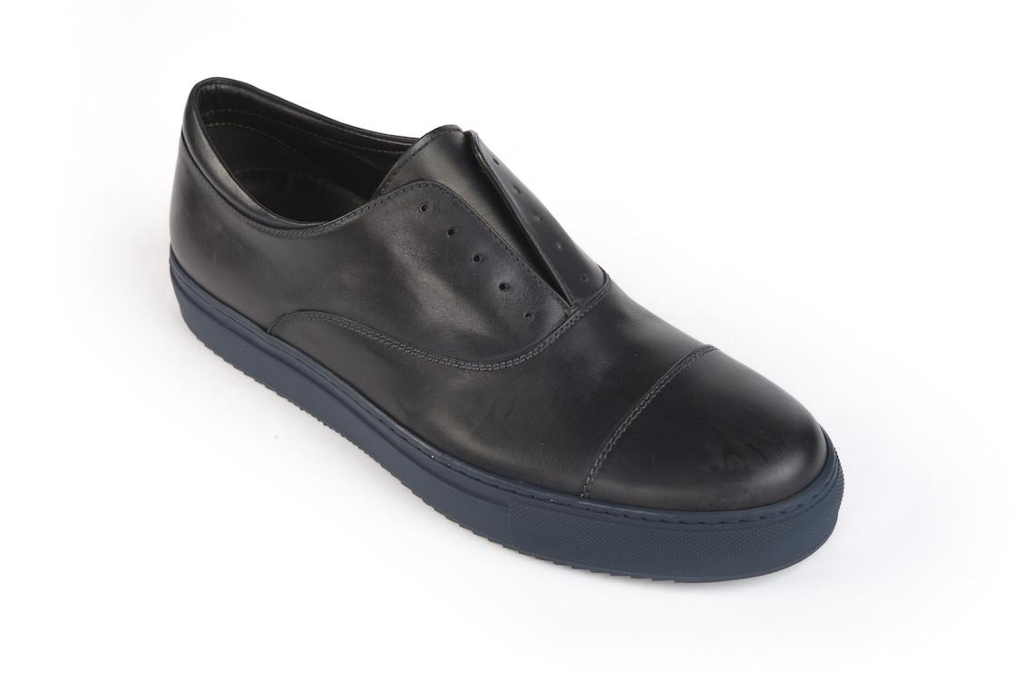Scopri le scarpe sportive da uomo presso il nostro punto vendita a Milano  in corso vercelli dbd95347fe6