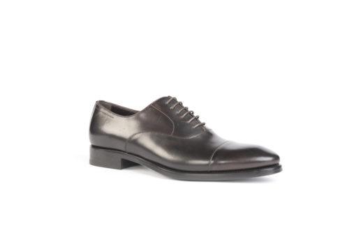Stringate da uomo eleganti, sul nostro sito troverete tantissime calzature artigianali a partire da 99 euro.