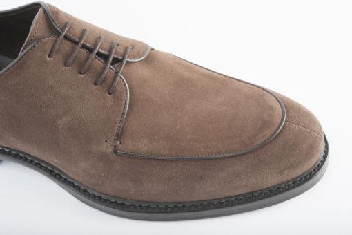 Scarpe da uomo artigianali, eleganti o sportive.Suole di cuoio cucite a mano dai migliori artigiani italiani!