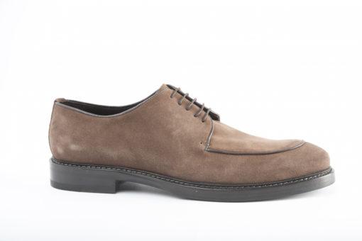 Scarpe da uomo artigianali, eleganti o sportive.Suole di cuoio cucite a mano dai migliori artigiani italiani.