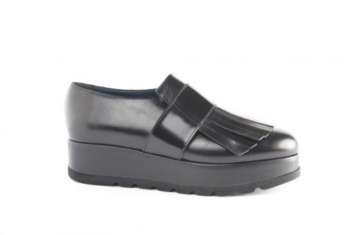 Scarpe sportive da donna in pelle, scegli il made in italy lucacalzature a Milano.