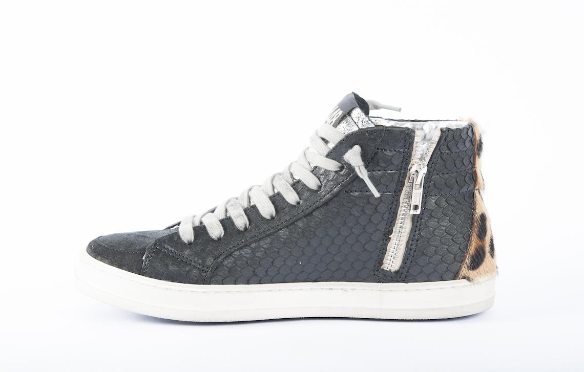autentico 3dae5 42347 Sneakers donna sportiva in pelle con accessori.