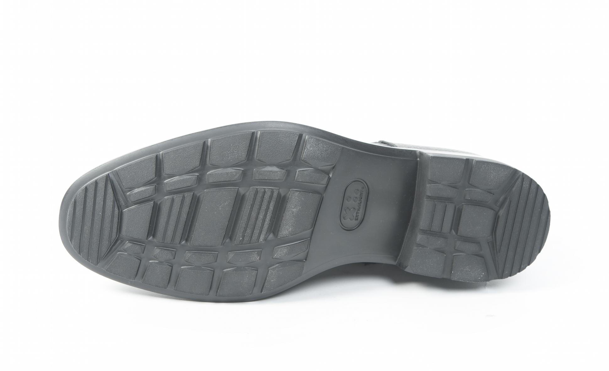 Le scarpe invernali da uomo con le suole di gomma Vibram e Extralight 4233a50d251