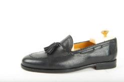 Le nostre scarpe classiche da uomo sono fatte a manoloaferinpelleestiva